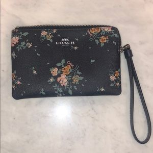 Coach wallet, never used! Great condition